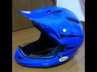 このBellのフルフェイスヘルメット いつ頃のなんという商品かわかりますか?
