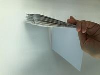 オリジナルの表紙のポストカードポケットアルバムを作りたいのですが、印刷をしてくれる業者をご存知でしたら教えてください。 (画像のような簡易的なもので、表紙だけオリジナルの表紙にした いのです。) ・同...