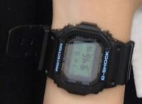 この腕時計はG-SHOCKのGW-M5610BA-1JFでしょうか? ちなみに写真は女性が使用されてるものです。