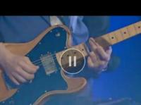 ギターを弾く時に指にはめてる指サックみたいなやつ何て言うんですか?