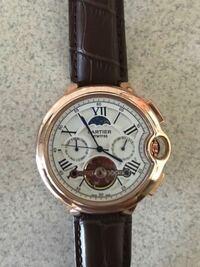カルティエの腕時計にこのようなモデルは存在しますでしょうか? よろしくお願いいたします。