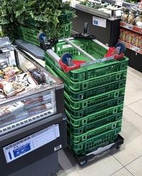 画像は大阪市内のスーパー、ライフの食料品売り場です。 衛生状況をA~Fランクに分類するとどのレベルになりますか?