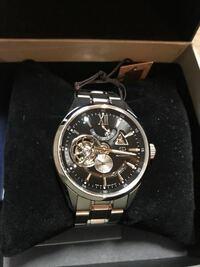 オリエントスター モダンスケルトン オリエントスターのモダンスケルトンを 初めての機械式時計として購入検討中です  用途としては仕事にも、プライベートのおしゃれにも、とにかく毎日使いたいと思っているので...