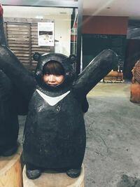 ユンギさんが顔をはめてるこのくまモンの像?みたいなのってどこにありますか?詳しく教えてほしいです。 防弾少年団 BTS ユンギ シュガ 韓国