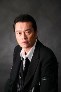 遠藤憲一さんはイケメンですか?