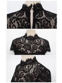 レース生地の端の処理について教えて下さい。 下記のドレスの衿元のデザインをハイネックからボートネックに変更したいと考えております。 この場合、やはり端は切りっぱなしでは難しいでしょうか? バイアスや三つ折りをしないと無理ですか?