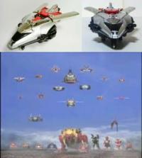 百獣戦隊ガオレンジャーVSスーパー戦隊 の巨大戦のような歴代レッド機大集結をもう1度やるとしたら レジェンド大戦とかを基にしても、タイムレンジャー枠を『タイムジェット1(画像上)』にするのは無理があるでし...