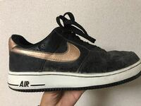 スニーカーについてです。 このAF1を古着屋で購入したのですが、 見たことがありません。 どのようなスニーカーなのか教えてください!