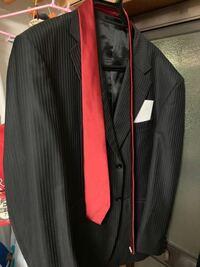 ストライプのスーツに合うジレベストって何色ですかね?やっぱストライプじゃないとダメですか?