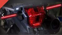 ブレーキランプと連動して赤く点灯するウインカーって、車検は大丈夫なんでしょうか?