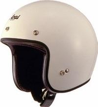 これはジェット戦闘機パイロットのヘルメットですか