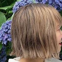 黒髪からこの髪色にするのはブリーチ1回でできますか?? あとファイバープレックスのブリーチ剤は効果感じましたか??