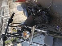 TW200がアイドリングでは エンジンとまらないんだけど アクセルを開けるとエンストします 原因が分かりません  エンジンのかかりはいいです