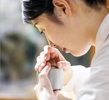 香道は、香りの違いを当てたりして楽しむのですか? 鼻がマヒしてチンプンカンプンにならないんでしょうか?
