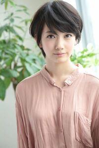 波瑠さんは日本で最も美しい女優さんの一人で間違いないですよね? 私、女だけど波瑠さんが大好きなんです(๑˃ ᴗ˂ ) お目々パッチリですごい綺麗。 大好きなんです。