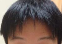 おでこ広めなんですが 前髪あげない方がいいですか? 前髪変なので上げてごまかそうとしたんですけどおでこ広い人に合う髪型教えてください