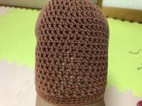 かぎ針でこの編み方で帽子を編みたいと思っています。 何度か調べたりして編んでみるのですが、なかなかできず。 この編み目は何編みか教えてください。
