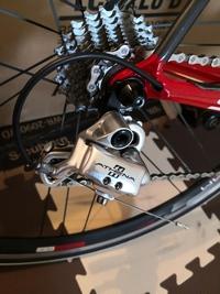 ロードバイクのギアを変速していたところ、RDがまったく動かなくなってしまいました。どうすれば直りますか?