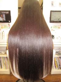 髪の毛がさらさらになるにはどうすればいいですか? 画像のような髪の毛になりたいです。