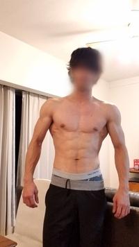 筋トレ、トレーニングに関しては トレーニング歴1年半 コンテストを目指してるとかではなく ただ良い体作りをしたくてやっています  自分の弱点部位、強みの部位がわかりません 個人的に は胸は弱点かとは...