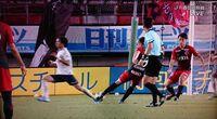 【鹿島vs東京】左から二番目の選手は誰ですか?シュートする選手を正面から見ていましたが、回れ右をするようにゴールに背を向けました。