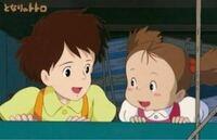 となりのトトロ サツキとメイちゃんはなぜ似てないの?メイちゃん茶髪やん 笑笑 遺伝子おかしくなりましたか