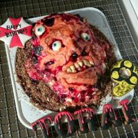 母親が娘の為にこんなバースデーケーキを作ったら、父親はどうしたらいいのでしょうか?