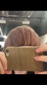 何も染めていない状態からこの髪色にするにはブリーチは何回必要ですか