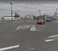 道路交通法に詳しい方に質問致します。 【右折専用ラインがある】交差点で右折する前、対向右折車で対向直進車を確認できない場合、  直進ラインの手前まで進んで、対向直進が来ないか確認しても問題ないのでし...