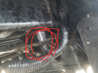 エンジンかからない!と思ったらバッテリーの線?見たいなのかパサパサになりちぎれてました。これはどう言った修理になるのでしょうか?費用は高額?1997年式の軽トラになります いろいろ教えてください。m(*_ _)m