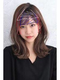 美容室に返金してもらいたいです。 昨日髪切りに行ったのですが美容室で前髪をオーダー確認もせず切られました。 モデルさんの画像で再現しますが、赤と青の部分が元の髪型です。白の部分が切られて残った部分。 ...