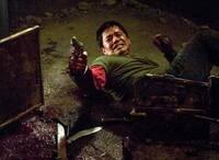 映画・ホステルの主人公「パクストン」彼は、こんだけの恐怖体験をしているから精神の一つや2つ病みますよね?なにせ「死」への恐怖と戦っていれば!