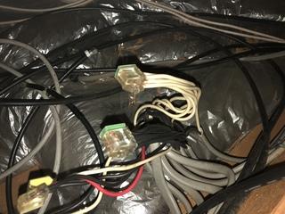 コネクタ,コンセント,結線束,屋根裏,ペーパー電気工事士,増幅器,同軸ケーブル