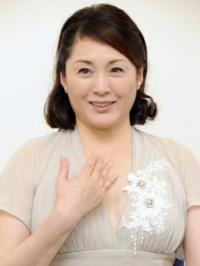松坂慶子って、67歳になった今でも、「孫もいる還暦を過ぎた女性が、思いがけず自然妊娠し、紆余曲折を経て、ギネス級の超高齢出産に挑む」といったドラマの役柄も、違和感なくこなせると思いませんか?