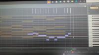 cakewalk by bandlabのピアノロール打ち込みの際に、透けているノートをクリックすると勝手にトラックが移動してしまう状態はどのようにすれば解除出来ますでしょうか