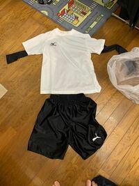 友達と選抜チームを作って高校のサッカーチームと試合するのですがこの服装で良いですか?