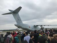 航空機について質問です 航空自衛隊入間基地で入間航空祭の時に撮影した写真です この輸送機?はなんて機種ですか? またどのようなことに使われてますか?
