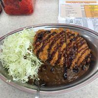名古屋の金沢カレー 金沢カレーが食べたくて、栄のチャンピオンに来ました。 「秘密のケンミンショー」で紹介されていた金沢のチャンピオンは、来店して1分でLカツカレーが出てきましたが、栄のは5分掛かっていま...
