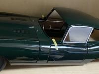 デアゴスティーニのジャガーeタイプを製作してるのですが、車用のワックスを塗っても大丈夫でしょうか?  小傷等が付かないようにしたいので、回答よろしくお願いします。