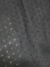布地に詳しい方お願いします!  画像のように、綿に穴で模様がついているものの名称を教えて下さい。  ベビー服や、子供の下着などに多いと思います。    生地 布地 綿 コットン ベ ビー服