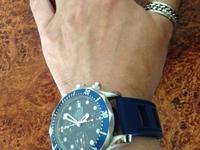 画像のオメガのクロノグラフのダイバーズウォッチなんかしてたら偏屈な時計ヲタクだと思われてしまいますか?