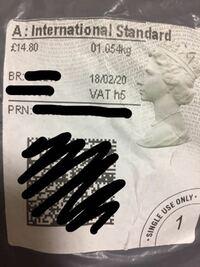 イギリス在住の方やロイヤルメールの国際便について知ってる方がいたら教えてください。 イギリスの方から購入した荷物が届きました。 外袋に添付画像のステッカーが貼られていましたが、これは送料が£14.8という...
