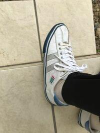 これがどこのブランドの靴かわかる方いませんか? お願い致します