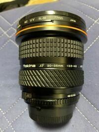 一眼レフ初心者です。 Nikonのd5300を使っているのですが、 Tokinaの広角レンズがボディに合わなくて困っています。 マウントアダプターを使用すれば、使えると聞いたのですが、どのマウントアダプターを購入すれ...