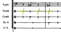 オーケストラで打楽器をやっています。 ラヴェルの管弦楽曲でよくみるのですが、楽譜のように、スネアドラムで音符の棒が上下に伸びているのは何を表しているのでしょうか?  まさか二人でということではない(そのばあいならa2などと書く)と思うのですが、 ベルリオーズ『幻想交響曲』4楽章のように、両手で叩けという指示でしょうか?  その場合、スネアドラムですと、ティンパニと違ってフラムのようになると思...