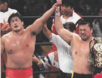川田利明と小橋建太は全日で先輩後輩の間柄ですが、プロレス界の地位・格ではどちらが上ですか?