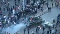 このT-34は具体的になにをしているのでしょうか?イタリアの国旗を掲げてデモのようなものに現れています。また、この後この戦車はどうなったのでしょう。