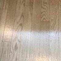 この様な感じのオーク床には何色の家具を合わせるといいですか?? できれば韓国っぽい部屋にしたいです。
