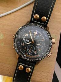 このハミルトンの時計かなり前のものなんですが、動かし方わかりますか?