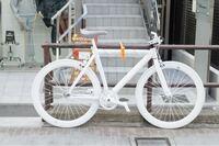 この写真のバイクの製造会社や品名がわかる人教えてくだい!